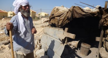 2011-09-05 New demolitions' threats in the beduin village of Umm Al Kheer